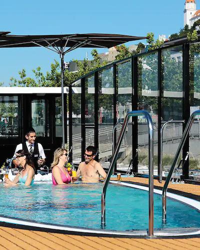 AmaWaterways Swim Up Bar