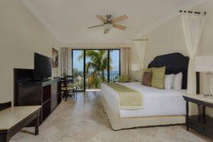 DRELC_PC-Luxury-1Bedroom-king_FE1-1024x682